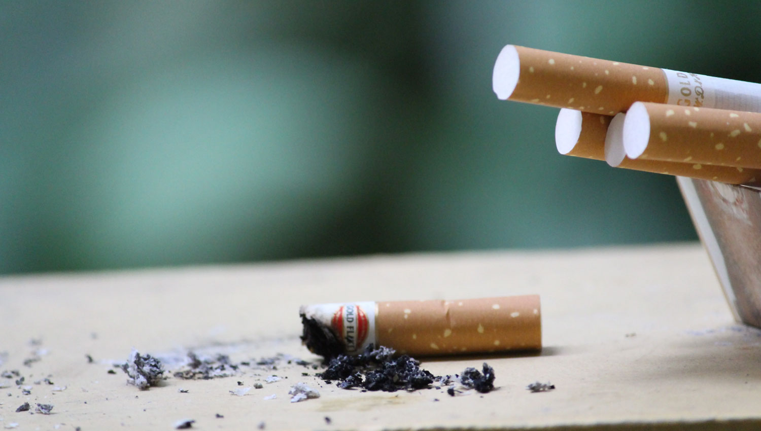 How Tobacco Use Affects Teeth